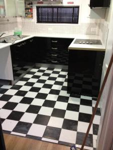 didyke tiling kitchen 13 - kitchen tiling done