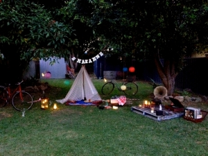 Shazanne anniversay indoor outdoor vintage teepee picnic 5